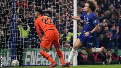 David Luiz scored the winning penalty for Chelsea against Tottenham