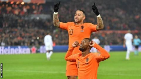 Memphis Depay seals Dutch win over France with outrageous penalty