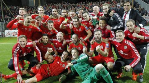 Despite losing 2-0 to Bosnia-Herzegovina, Wales players celebrate after qualification for Euro 2016 was confirmed.