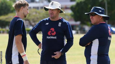 Farbrace leaves England set-up for Warwickshire role