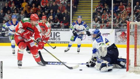 Layne Ulmer in action for Cardiff Devils