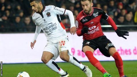 Younes Belhanda scores for Nice