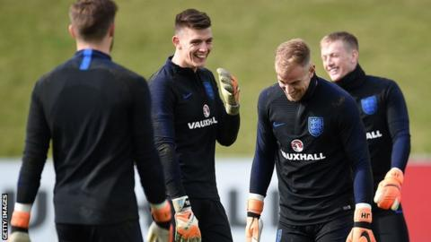 England goalie hopeful Pope says it's every man for himself