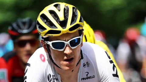 Geraint Thomas shows the strain of his efforts