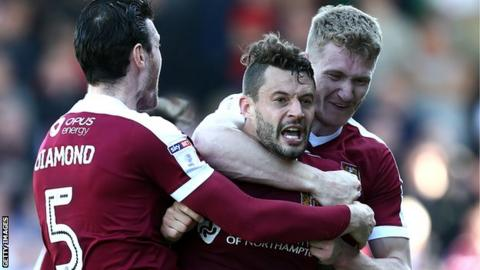 Marc Richards celebrates his goal in the 2-1 home defeat by League One leaders Sheffield United on 8 April