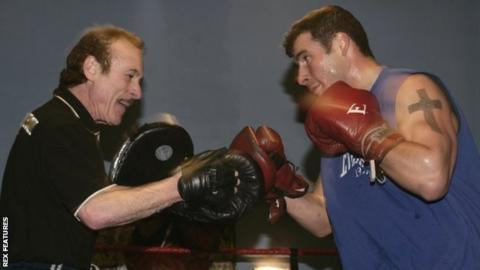 Joe Calzaghe (right and his late father Enzo (left)
