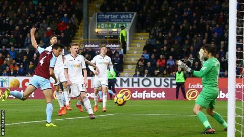 Jack Cork scores for Burnley