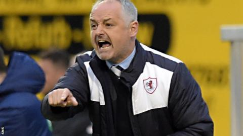 Ray McKinnon makes a point during Raith's play-off tie with Hibs