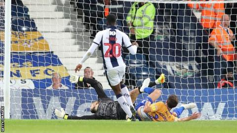 Jonathan Leko scores for West Brom
