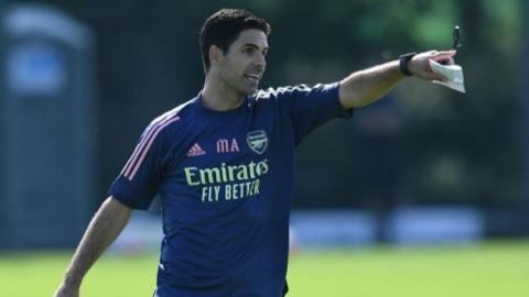 Mikel Arteta during Arsenal training