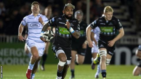 Niko Matawalu races clear to score his second try in the win over Cardiff Blues