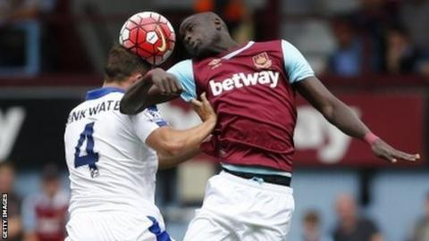 Leicester's Danny Drinkwater and West Ham midfielder Cheikhou Kouyate
