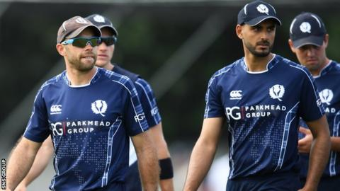 Kyle Coetzer (left) leads Scotland as they seek a first win against England