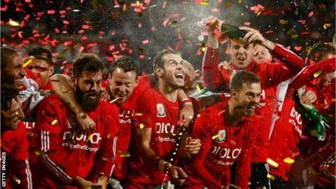 Wales celebrate Euro qualification