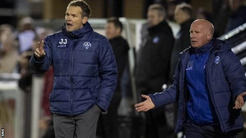 Jonatan Johansson and his assistant manager Peter Houston