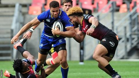 Adam Byrne in action against Oliver Zono and Berton Klaasen as Leinster beat Southern Kings 31-10