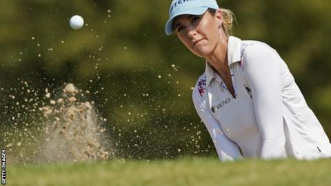 Green starts fast for 64 to take LPGA lead