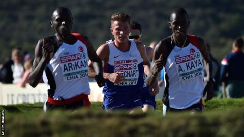 Andrew Butchart (centre) heads for a European bronze medal