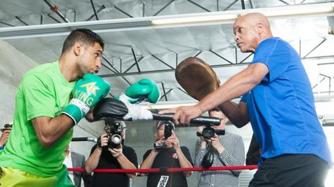 Amir Khan with trainer Virgil Hunter