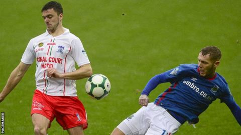 Linfield secured a 3-1 win over Newry City at Windsor Park three months ago