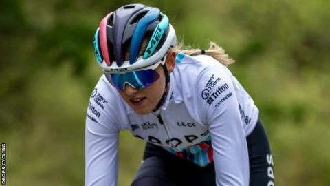 Lizzie Holden of the Drops Cycling Team