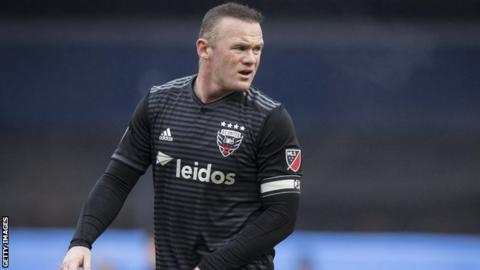 MLS: Wayne Rooney sent off for DC United