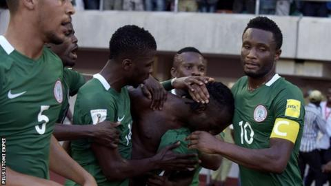 Nigeria players celebrate during the victory over Algeria