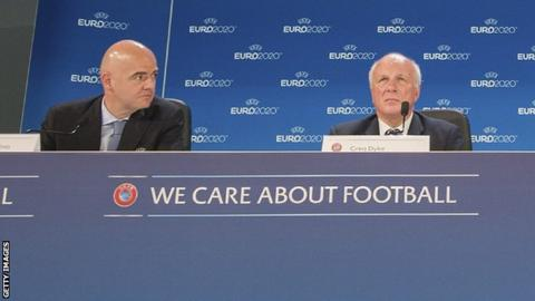 Gianni Infantino (left) and Greg Dyke (right)
