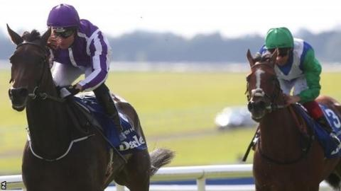 Seventh Heaven, ridden by Seamie Heffernan (left), on the way to victory