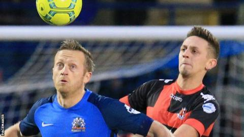 Glenavon and Crusaders served up an action-packed encounter at Mourneview Park