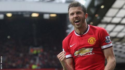 Manchester United midfielder Michael Carrick confirms retirement at end of season
