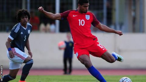 Ruben Loftus-Cheek in action for England Under-21s