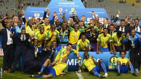 Mamelodi Sundowns posing with the Champions League trophy in 2016