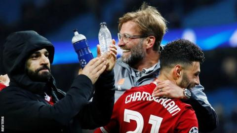 Jurgen Klopp (centre) celebrates