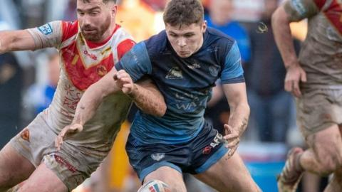 Jack Welsby found himself up against St Helens old Matty Smith in one of his 11 appearances in Saints' 2019 Super League title-winning team