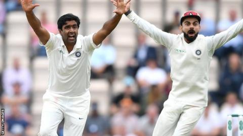 Ravichandran Ashwin and Virat Kohli