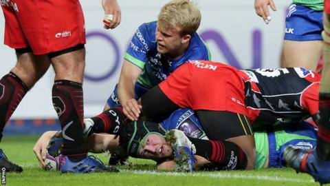 Connacht back-row Eoin McKeon stretches out to score a try against Oyonnax in Switzeland