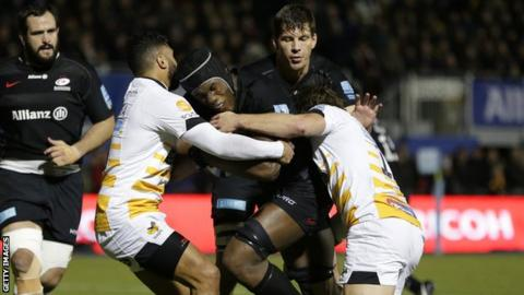 Maro Itoje takes on the Wasps defence