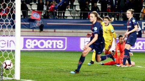 Maren Mjelde of Chelsea scores her sides first goal
