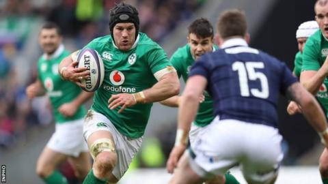 Sean O'Brien makes ground for Ireland at the expense of Stuart Hogg