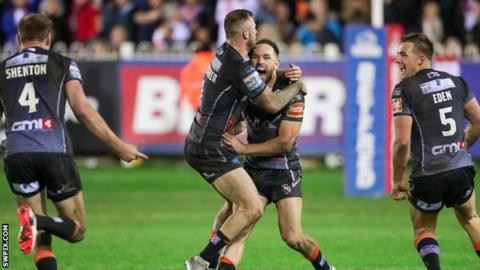 Castleford celebrate a drop-goal in 2017