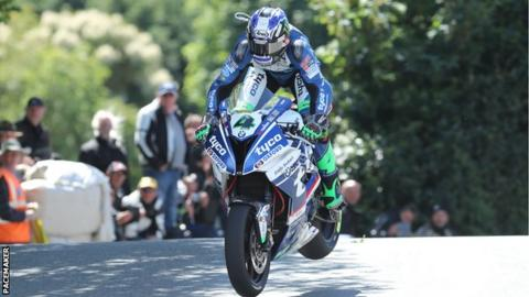 Ian Hutchinson achieved his first TT Superbike success for seven years