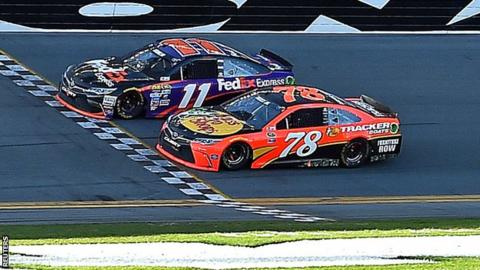 Hamlin (left) wins in the closest Daytona 500 finish