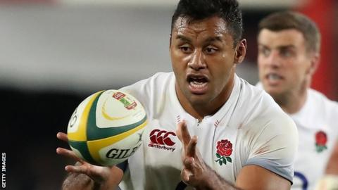 England's Billy Vunipola catches the ball during the first test match between South Africa and England at Elllis Park on June 9, 2018 in Johannesburg, South Africa