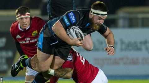 D'arcy Rae playing for Glasgow against Scarlets