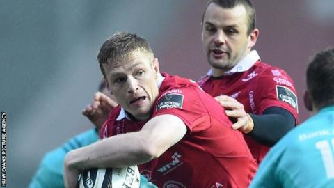 Johnny McNicholl in action for Scarlets