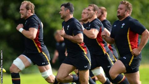 Wales players sprinting in rugby training