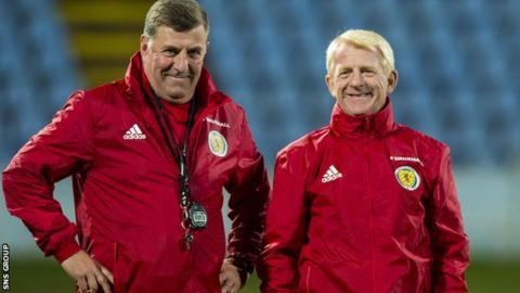 Scotland boss Gordon Strachan (right) and assistant Mark McGhee