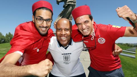 Tunisia and England fans