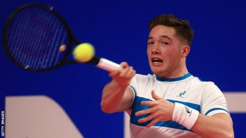 Alfie Hewett wins Super Series wheelchair title